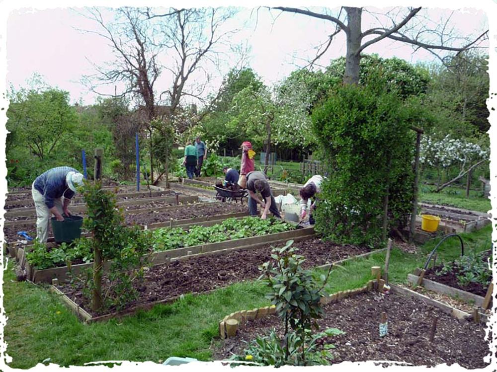 Lower Shaw Farm volunteers having a spiritual retreat in the UK