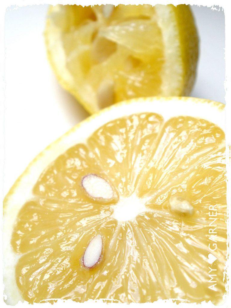 healing-properties-of-lemon-health-benefits: a Lemon cut in half